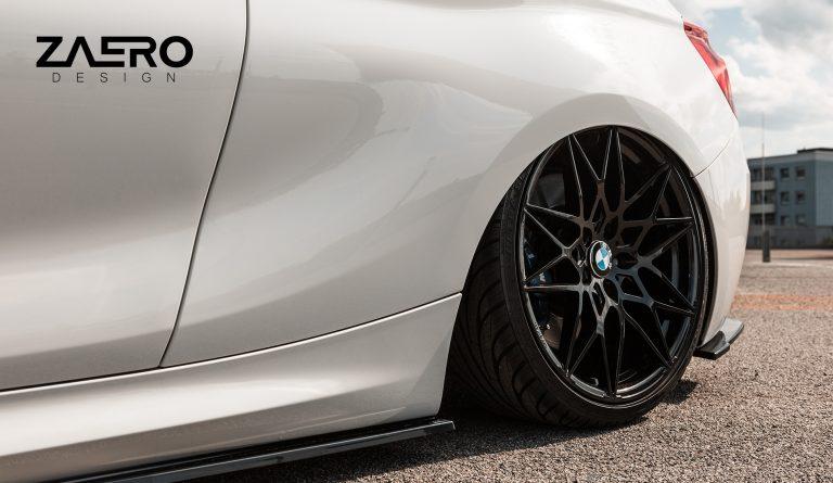 ZAERO-DESIGN-EVO-1-SEITENSCHWELLER-FÜR-BMW-1ER-116i-118i-120i-125i-M135-F20-F21-SCHWELLER-SEITENLEISTEN-BODYKIT-DIFFUSOR-FLAPS